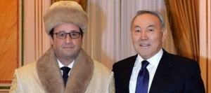 hollande-en-habits-traditionnels-kazakhs_5165629